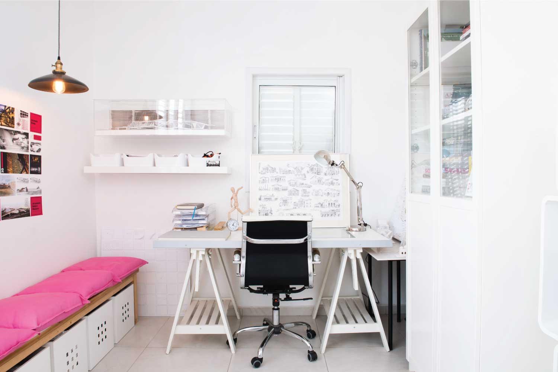 חדר עבודה נקי
