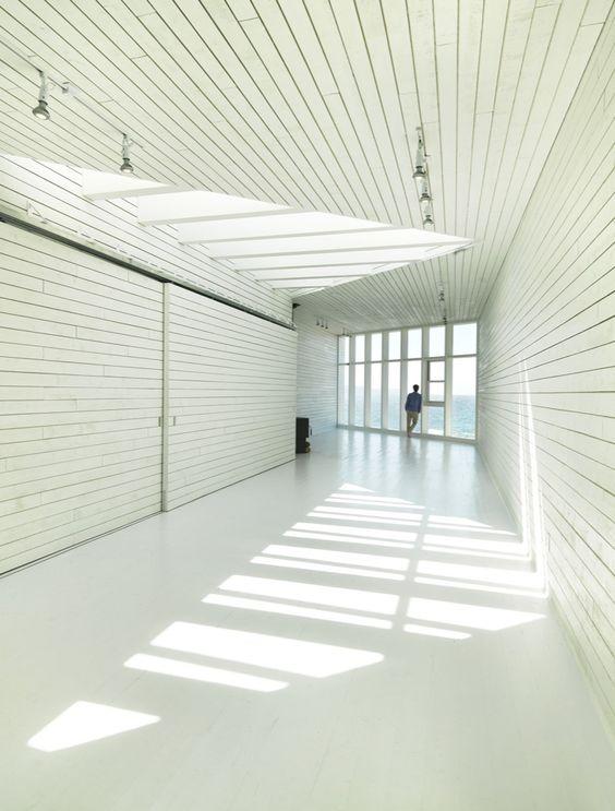 אדריכלות לבן על לבן