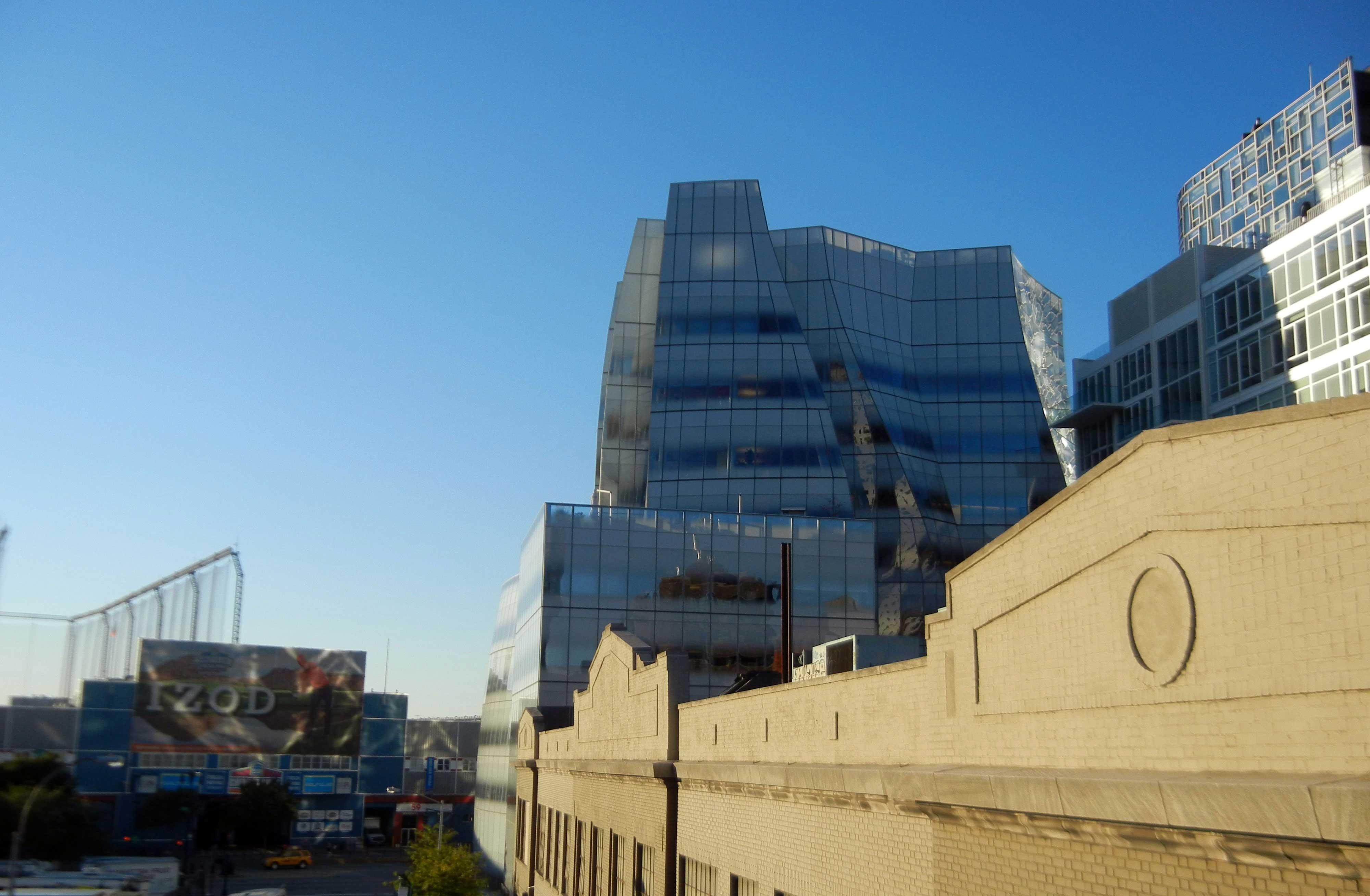 בניינים של אדריכלים ידועי שם לאורך ציר ההייליין בניו יורק