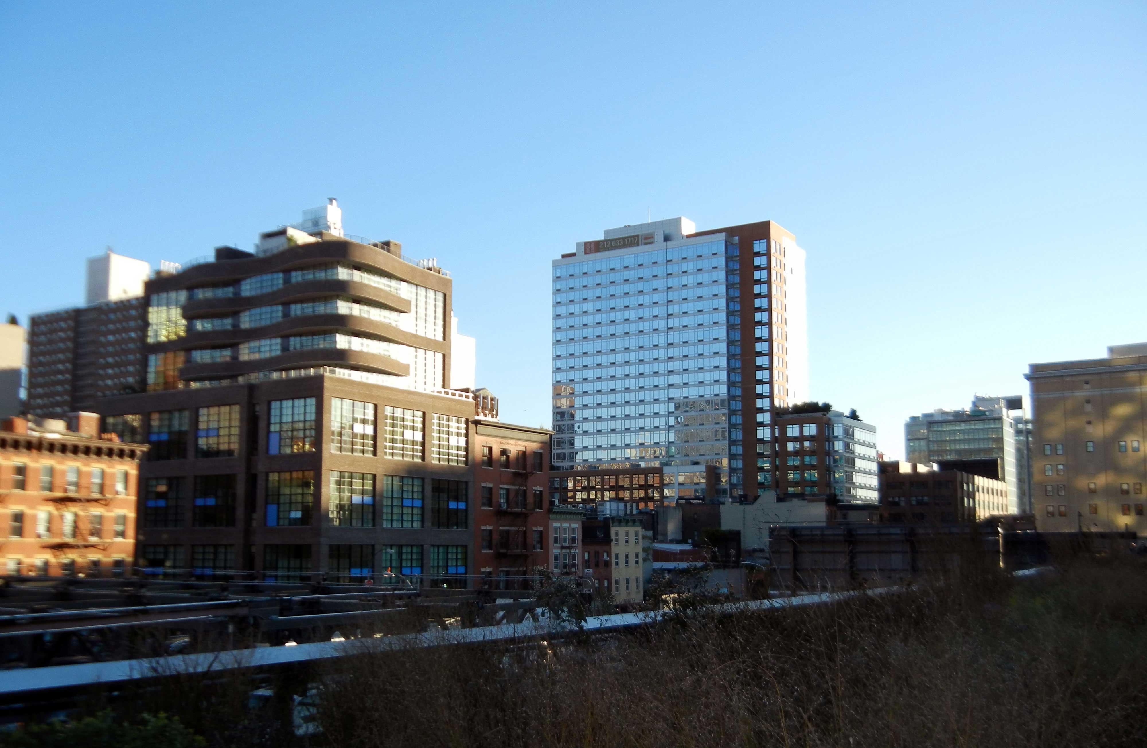 בניינים בסמוך להייליין